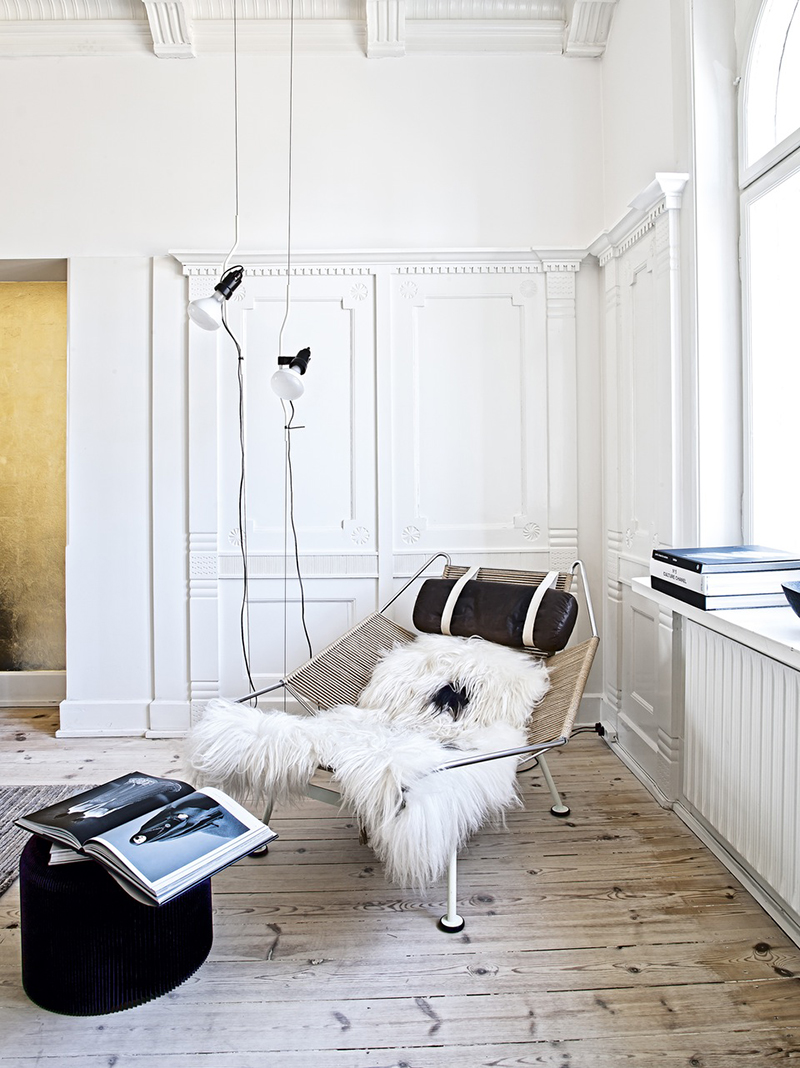 Hans J. Wegner Flagline chair