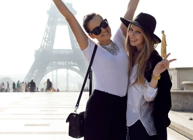 andy torres, carolina engman, bloggers, paris, eiffel tower, louis vuitton, france