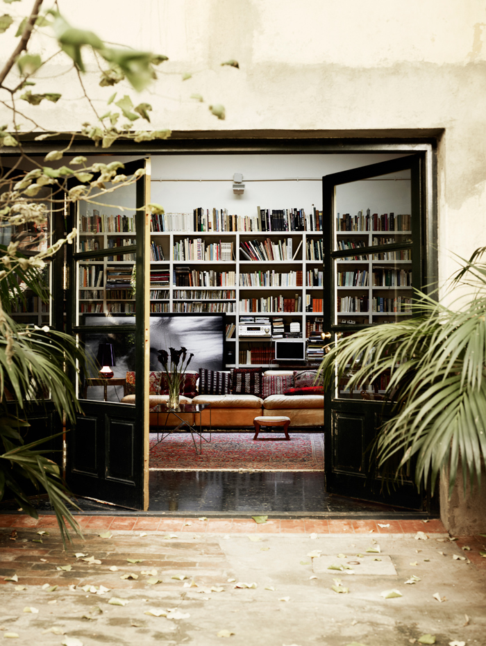 A lovely barcelona home (via fashionsquad.com)