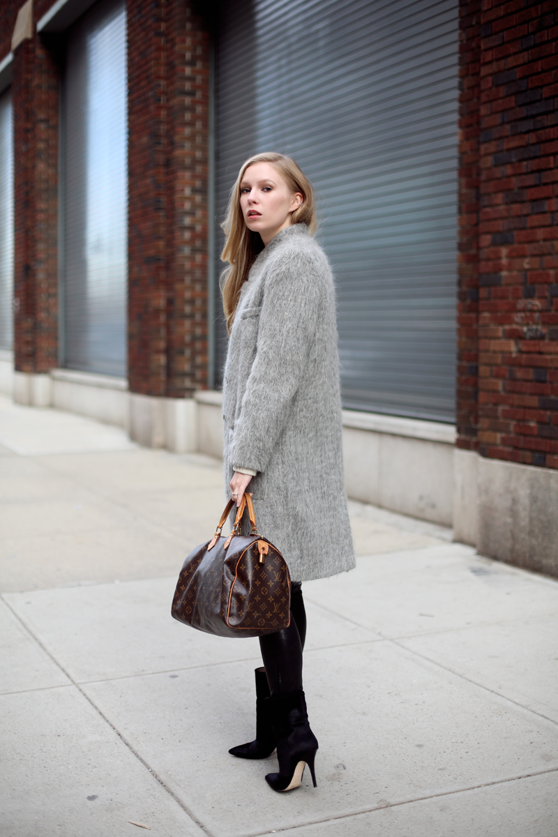 Carin Wester coat via fashionsquad