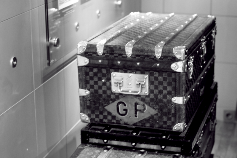 louis vuitton, home, Asnières-sur-Seine, vintage trunk, carolina engman, fashionsquad