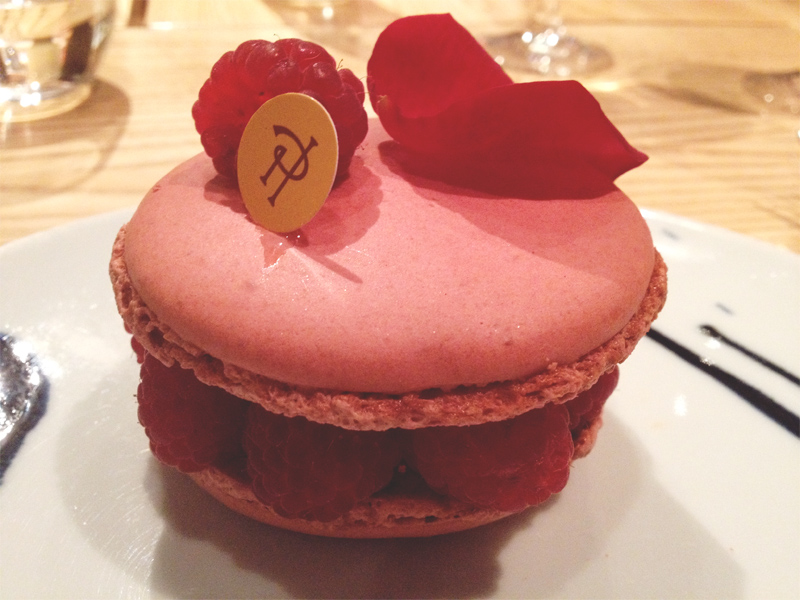 giant macaron, dessert, paris, macarons