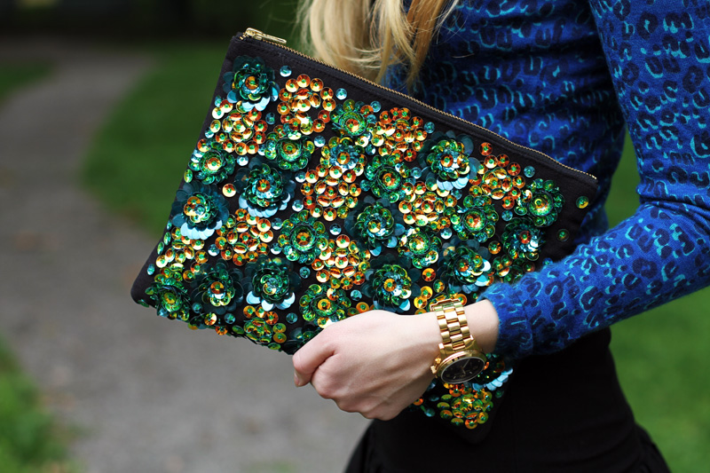 carolina engman, fashionsquad, asos iridescent clutch, sequin clutch, michael kors watch, crumpet leopard top, black skirt,