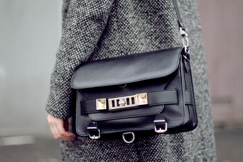 carolina engman, fashionsquad, proenza schouler ps11 black bag
