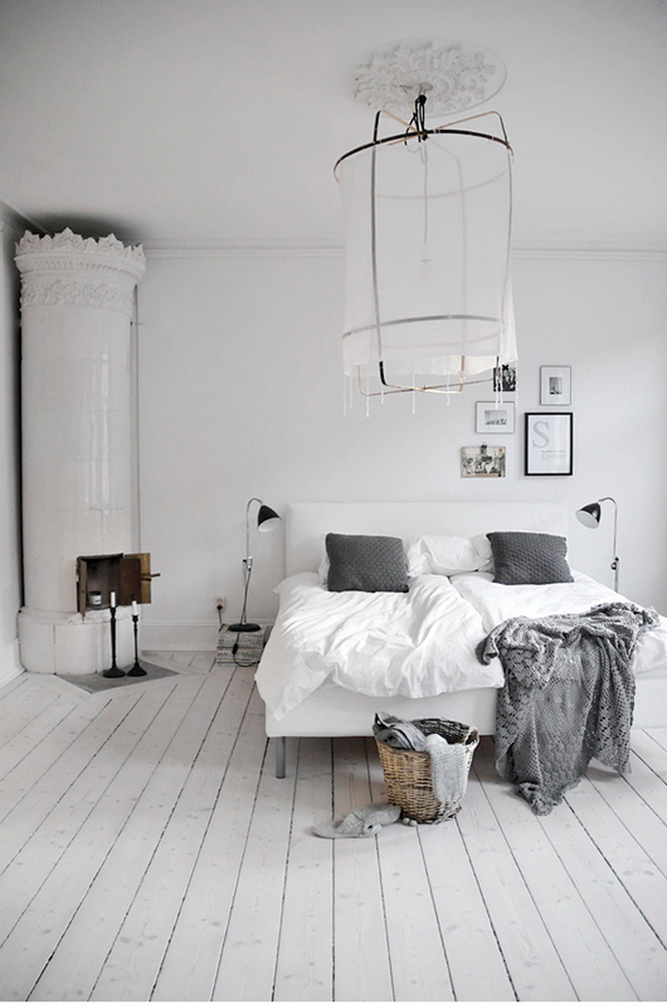 dreamy white bedroom via fashionsquad