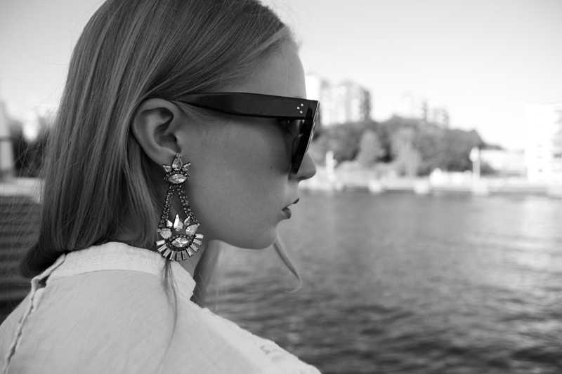 elizabeth cole earrings, goldphilosophy, celine audrey sunglasses, carolina engman, fashionsquad