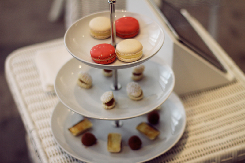chanel haute couture fw 12-13 presentation new york fashion week macarons
