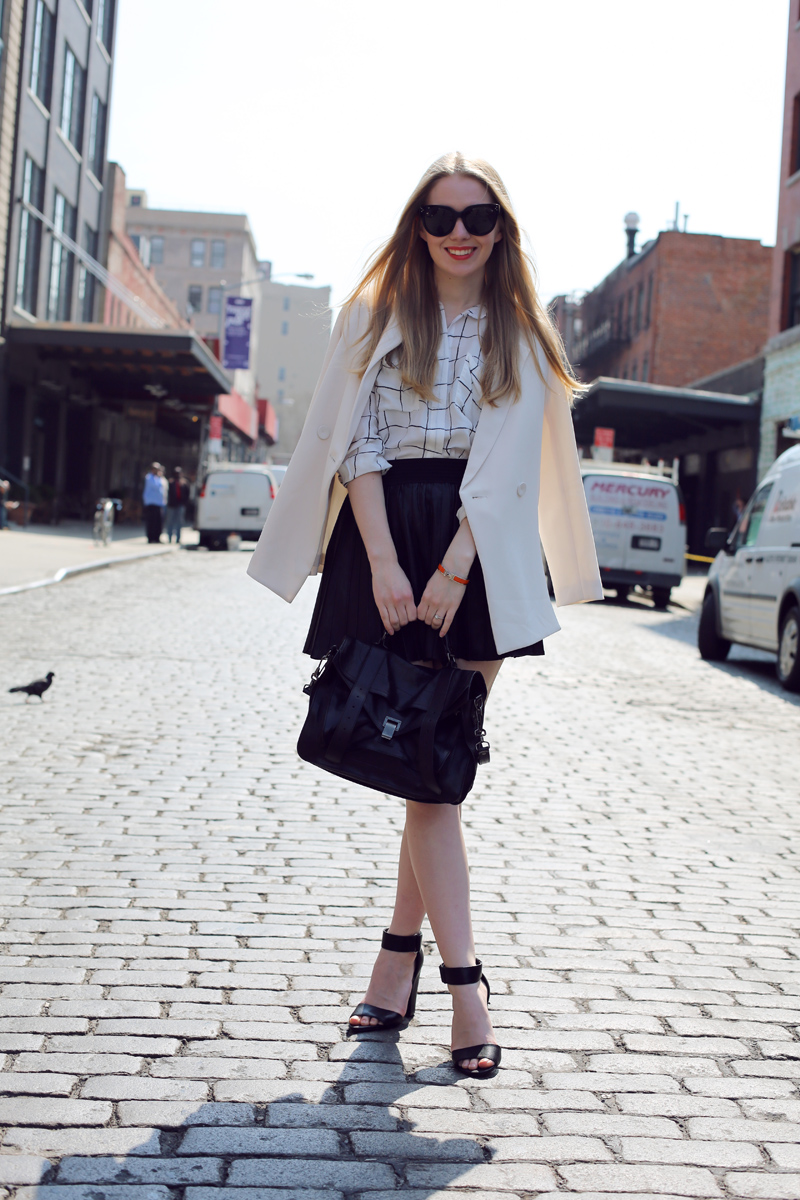 monochrome look on Carolina Engman