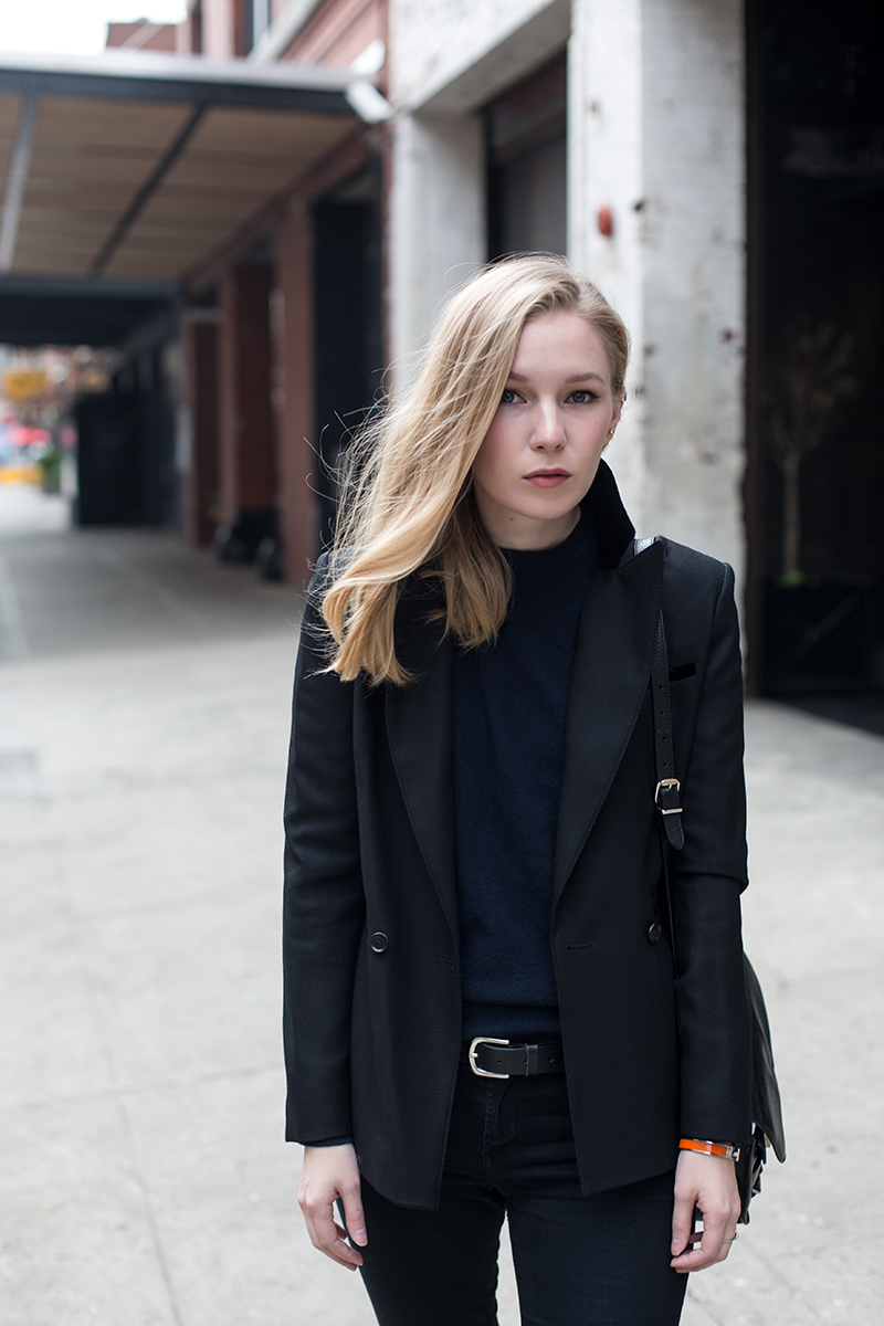 the perfect black blazer