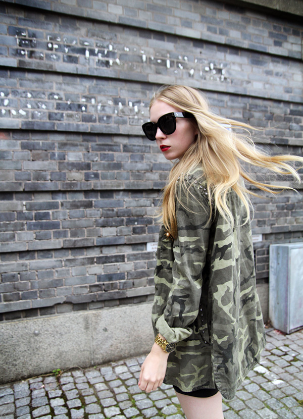 zara camouflage jacket, celine audrey sunglasses, h&m leather shorts,